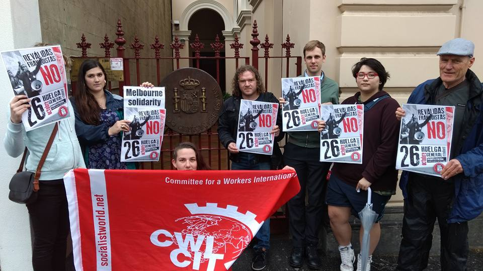 Solidarity with the Spanish student strike in Melbourne . Socialist Party members outside the Spanish Consulate in Carlton.