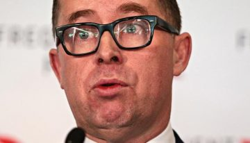 Alan Joyce vs the 'average' worker