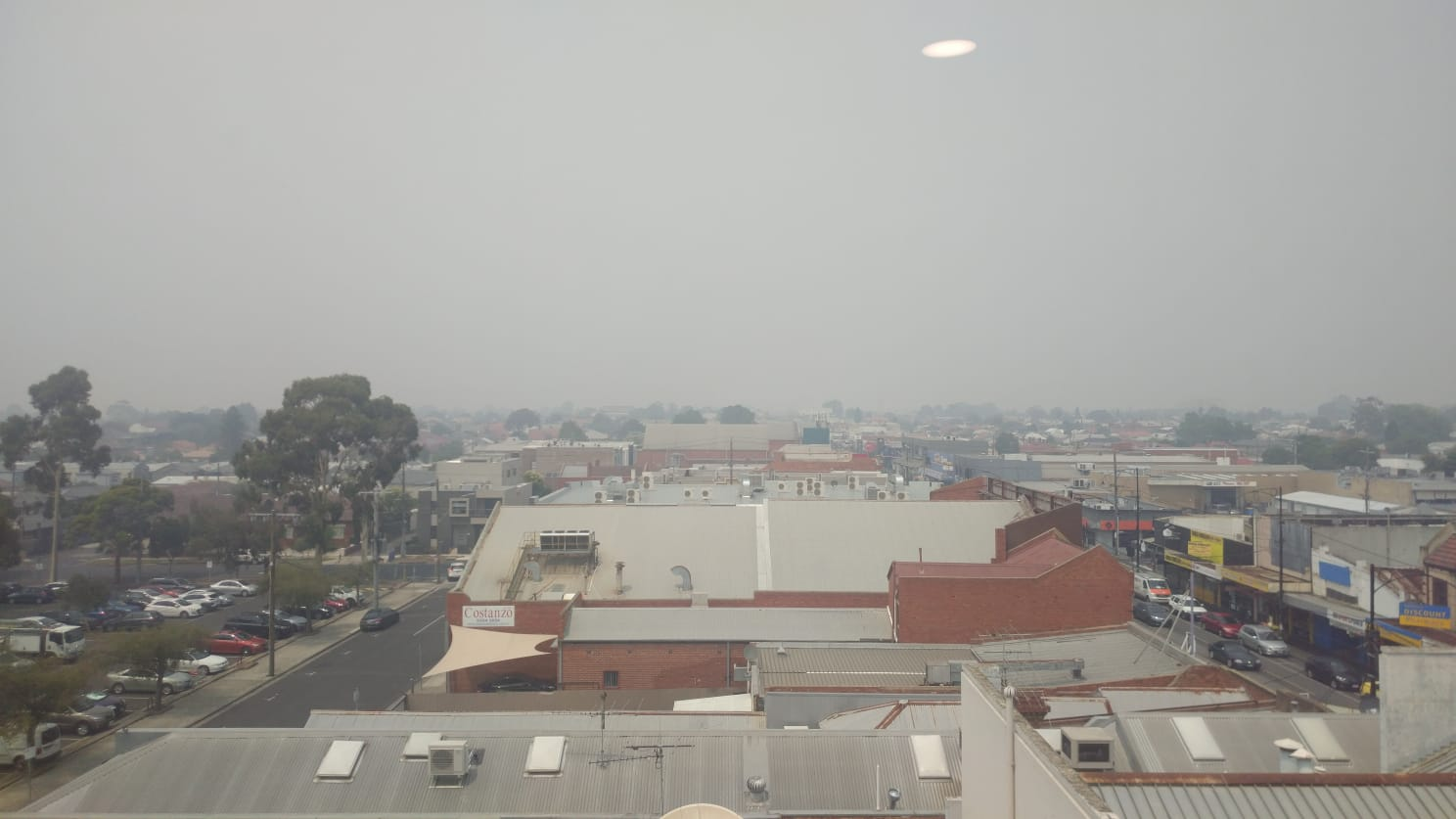 Bushfire smoke poisons Melbourne air