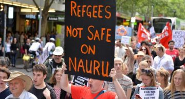 Nauru: Refugees treated like animals